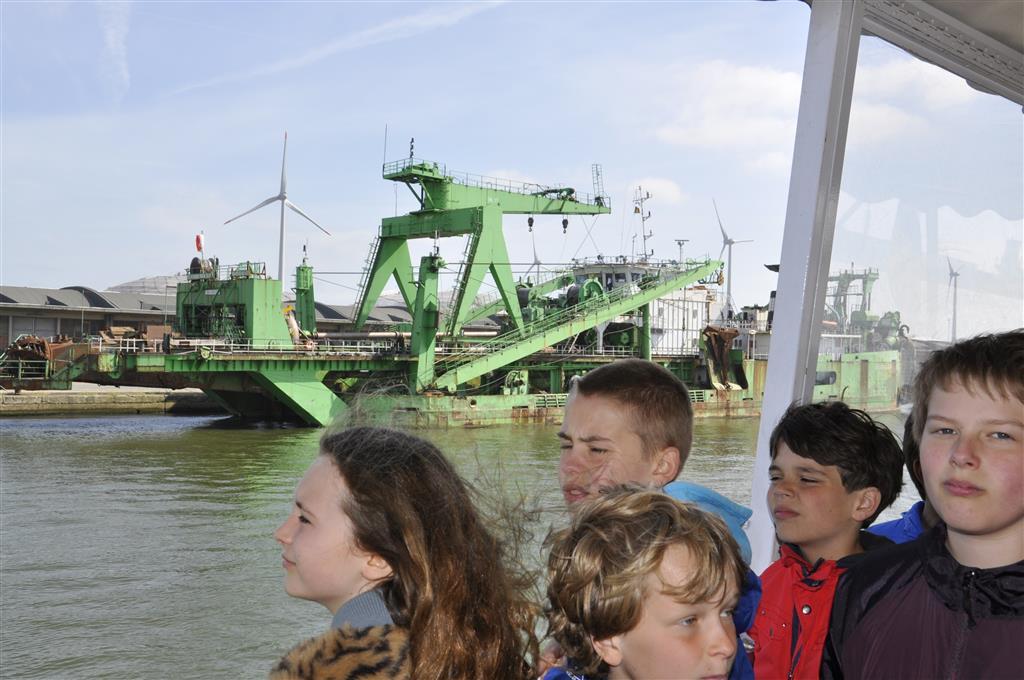 5lj. bezoekt Antwerpen en de haven
