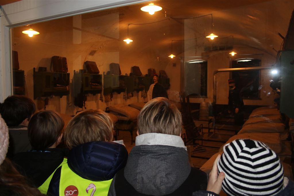 Pi bezoekt Fort Liezele en Ikea